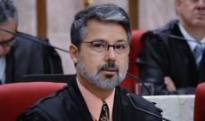 Novo presidente eleito Victor Luiz dos Santos Laus