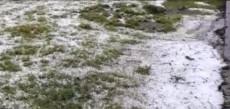 Granizo ficou acumulado na SC que liga Joaçaba a Ibicaré