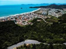 cotidiano-municipio-catarinense-vai-multar-donos-de-casas-com-mais-de-quatro-pessoas-por-quarto-2